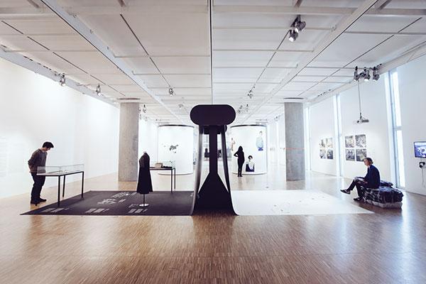 fast fashion die schattenseiten der mode. Black Bedroom Furniture Sets. Home Design Ideas